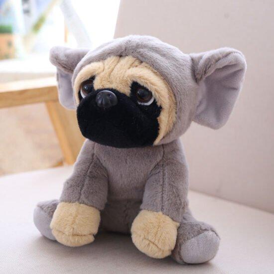 śmieszna maskotka mops słoń