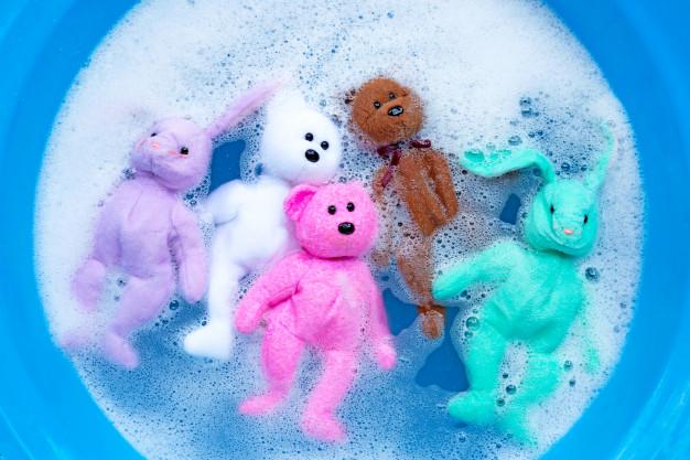 pranie nowych zabawek