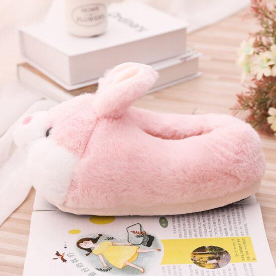 śmieszne kapcie króliki z boku